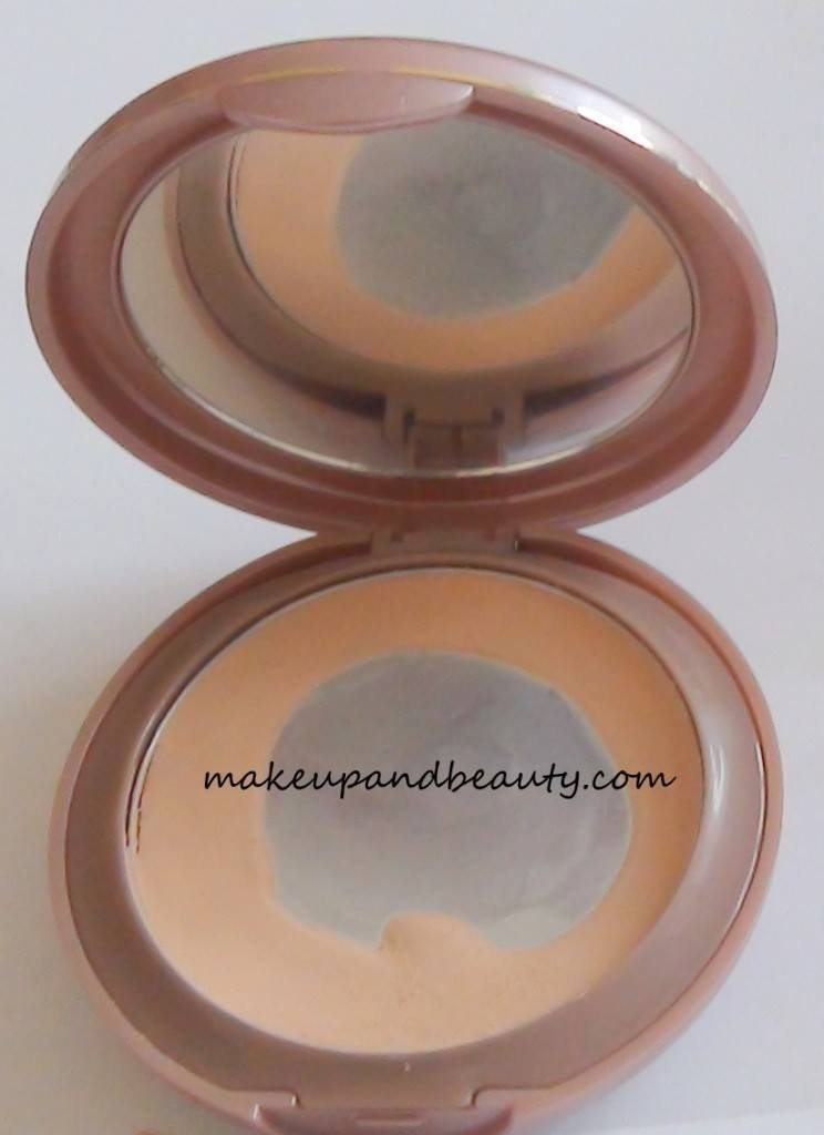 Lakme Nine To Five Creme Compact