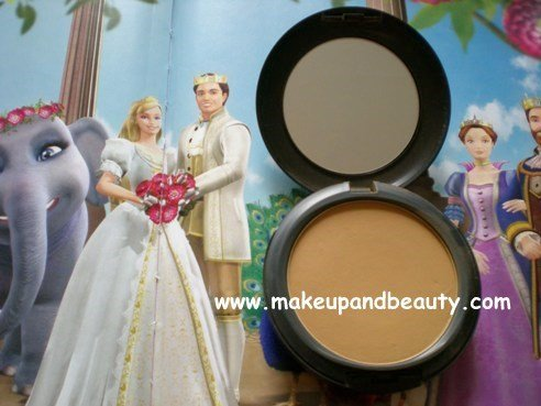 MAC Studio Fix Powder Plus FOundation NC 50