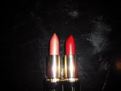 L'Oreal Color Riche® Star Secrets Lipcolour in Penelope's Red
