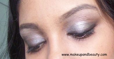 Lakme Black SMokey Eyes