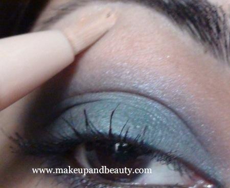 Blue Dahlia Eye Makeup highlight