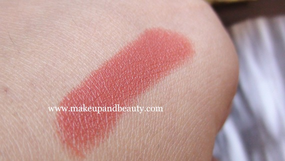 Lotus Herbals Peach Creme swatch