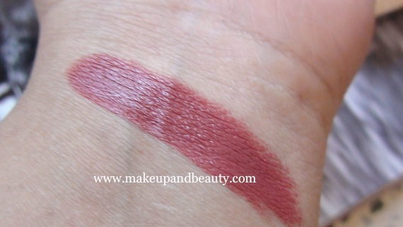 Lotus Herbals Pink Blush swatch