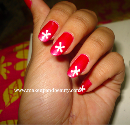 Nail Art Tutorial : White flowers on Pink Nails