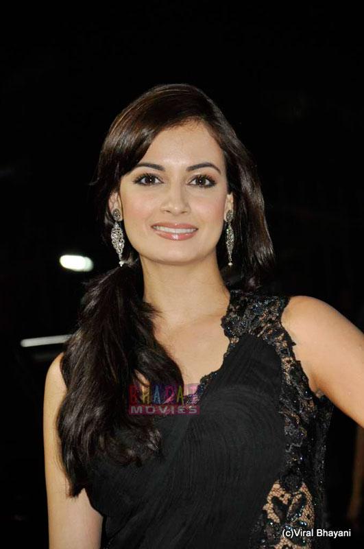 dia mirza filmfare 1 Dia Mirza at Filmfare Awards 2011