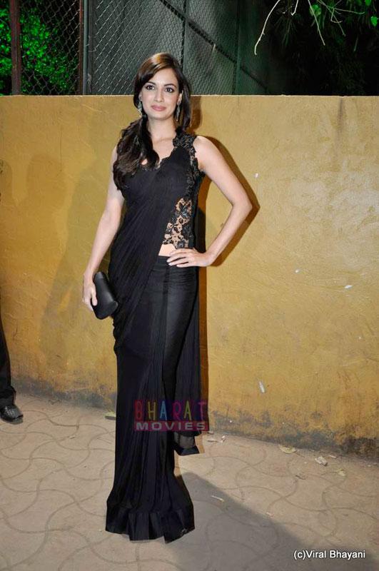 dia mirza filmfare 3 Dia Mirza at Filmfare Awards 2011