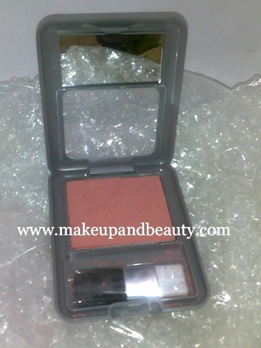Wet wild rouge powder