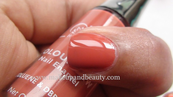Lotus Herbals Nail Paint 99 Peach Perfect