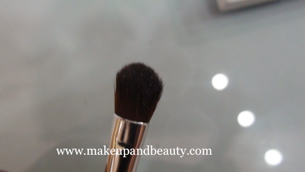 the body shop eye shadow brush