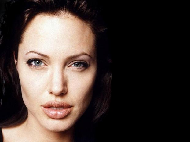 angelina jolie big lips