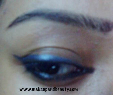 lakme-jewel-eyeliner-oynx