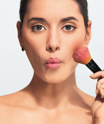 applying blush to cheekbones accentuate sixdifferentways.com