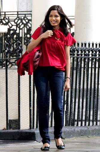 Frieda Pinto in Ballet Flats