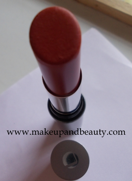 Lakme Absolute Classic Red Lipsick