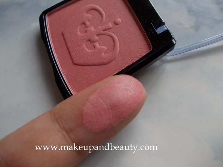 Rimmel London blush swatch