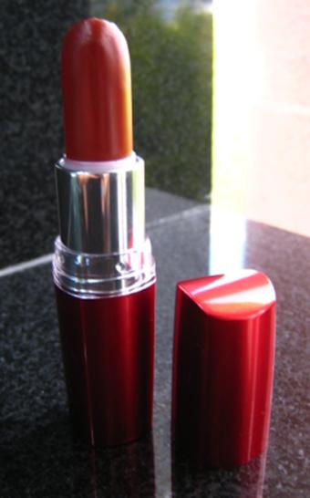 Maybelline Moisture Extreme Lipstick 926 Pure Passion