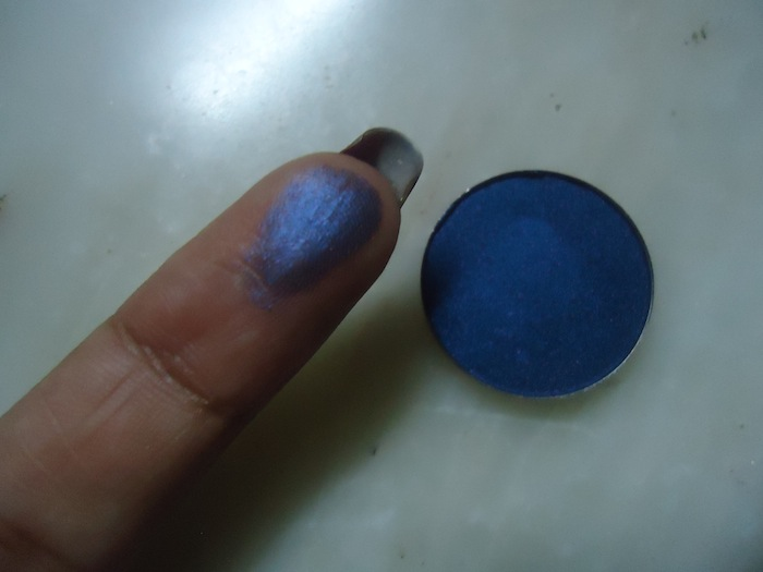 inglot metallic blue eyeshadow