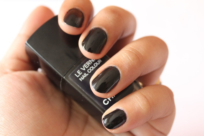 chanel black satin le vernis