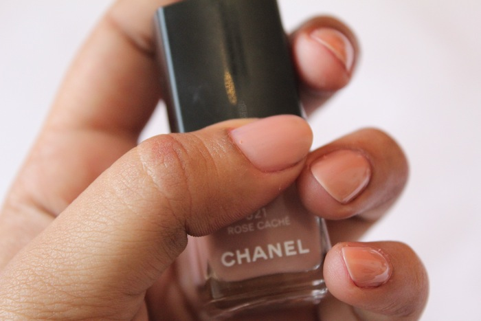 chanel rose cache