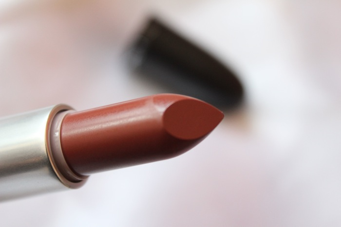 mac taupe lipstick MAC Taupe Lipstick Review, Swatch, Outfit