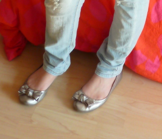 shoes Outfit Of The Day – Orange Blouse and Ripped Jeans