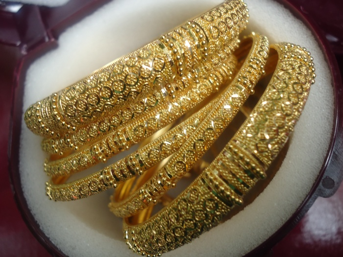 Golden Bangle Design 1
