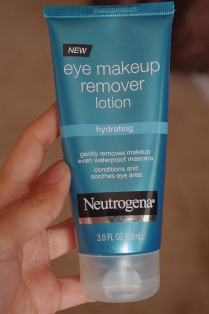 Neutrogena Eye Makeup Remover Lotion Review