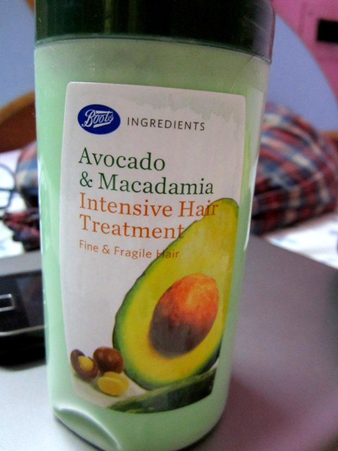 Boots Avocado and Macadamia Intensive Hair Treatment Review