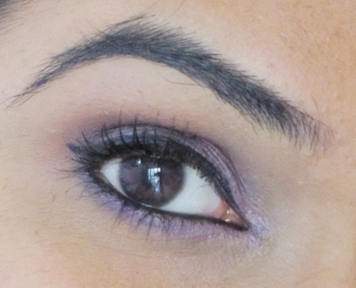 Jordana Eyeshadow Pencil in Vivid Lilies 15 - Look1