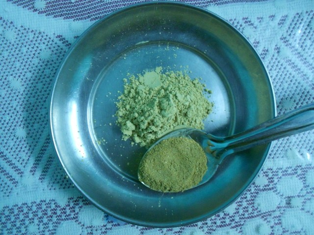sandalwood multani mitti face pack2