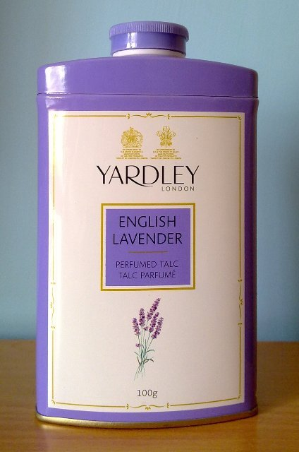 SAC Octobre 2014 - Page 22 Yardley+london+english+lavender+perfumed+talc