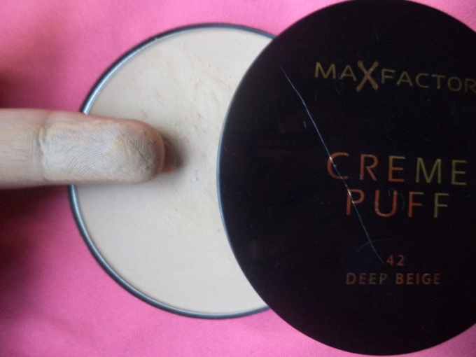 Beige Foundation Compact