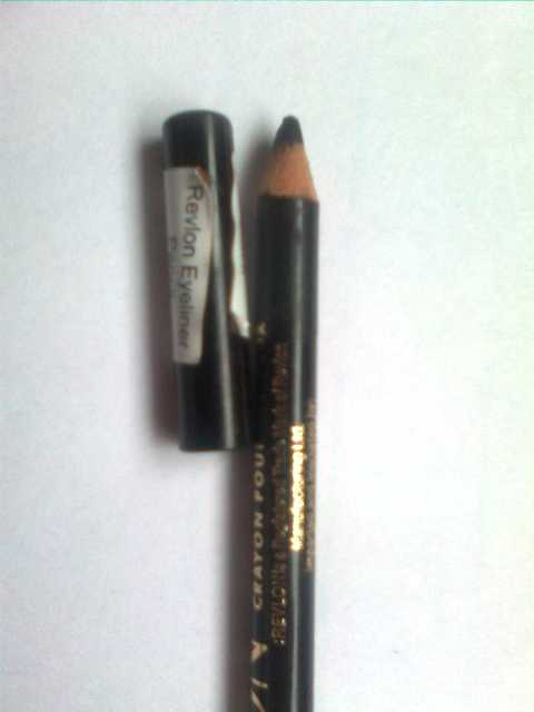 Black Eyeliner 3 Revlon Eyeliner Pencil in Black Review