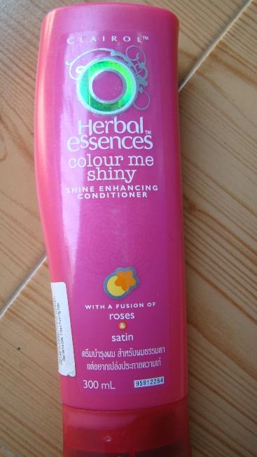 Herbal Essences Colour Me Shiny Shine Enhancing Conditioner Review