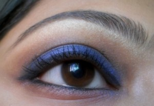 Incolor Professional eye shadow # 824 Bliss Blue eotd 2