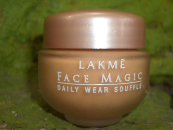 Lakme+Face+Magic+Daily+Wear+Souffle+Review