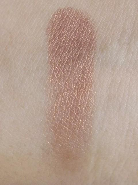 Mac eyeshadow mulch swatch