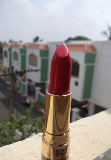 Revlon super lustrous lipstick love that red