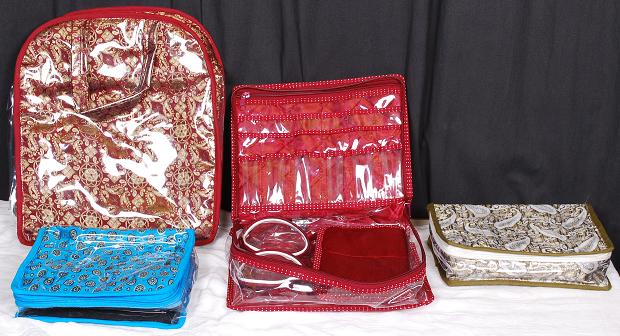 Women_s_Accessories_Packing_Items_bag