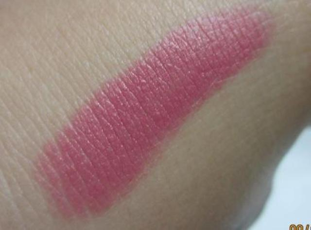 deborah milano rosetto 24ore power 07 lipstick swatch