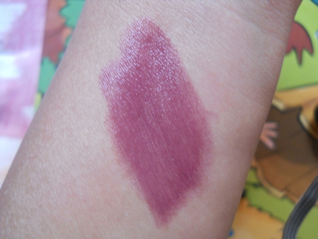 elle 18 color pops lipstick berry crush swatch