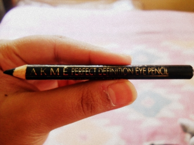 lakme perfect definition eye pencil
