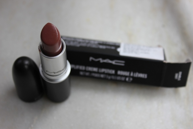 mac double shot lipstick MAC Amplified Lipstick  Double Shot Review, Swatch