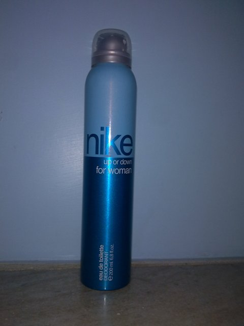 nike deo up or down