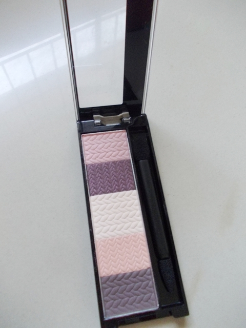 revlon customeyes eyeshadow sweet innocence 2