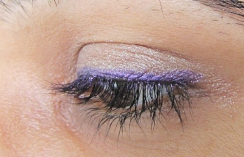 Colorbar I Glide Eye pencil in Amethyst Spark Look2