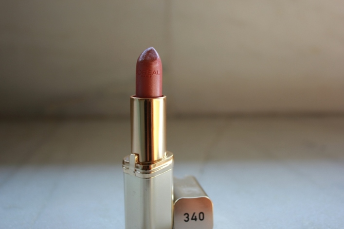 L'Oreal Color Riche Lipstick in Praline Crystal Review