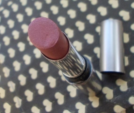 Lakme absolute matte lipstick winter lily (3)