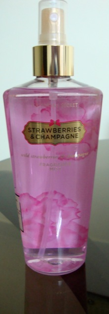 Victoria's Secret Strawberries and Champagne Fragrance Mist Review