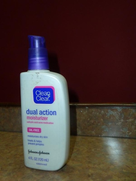 Clean and clear dual moisturizer
